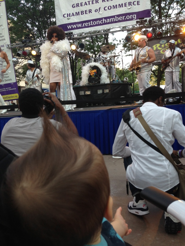 Then, Mama and I met up with Adora and Aunt Angie at Taste of Reston and we watched this funky band....Thats my mohawk!!